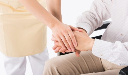 両立支援等助成金|介護に苦しむ従業員を助成金で助けた実話