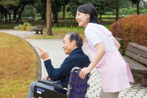職場定着支援助成金|介護離職を食い止める助成金活用法